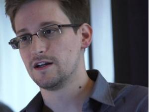 Edward_Snowden_ex-consultor da NSA_captação do jornal The Gardian