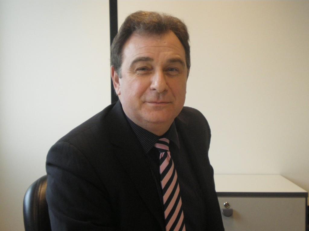 Sylvain Pavlowski - vice-presidente de Vendas na Europa da Information Builders